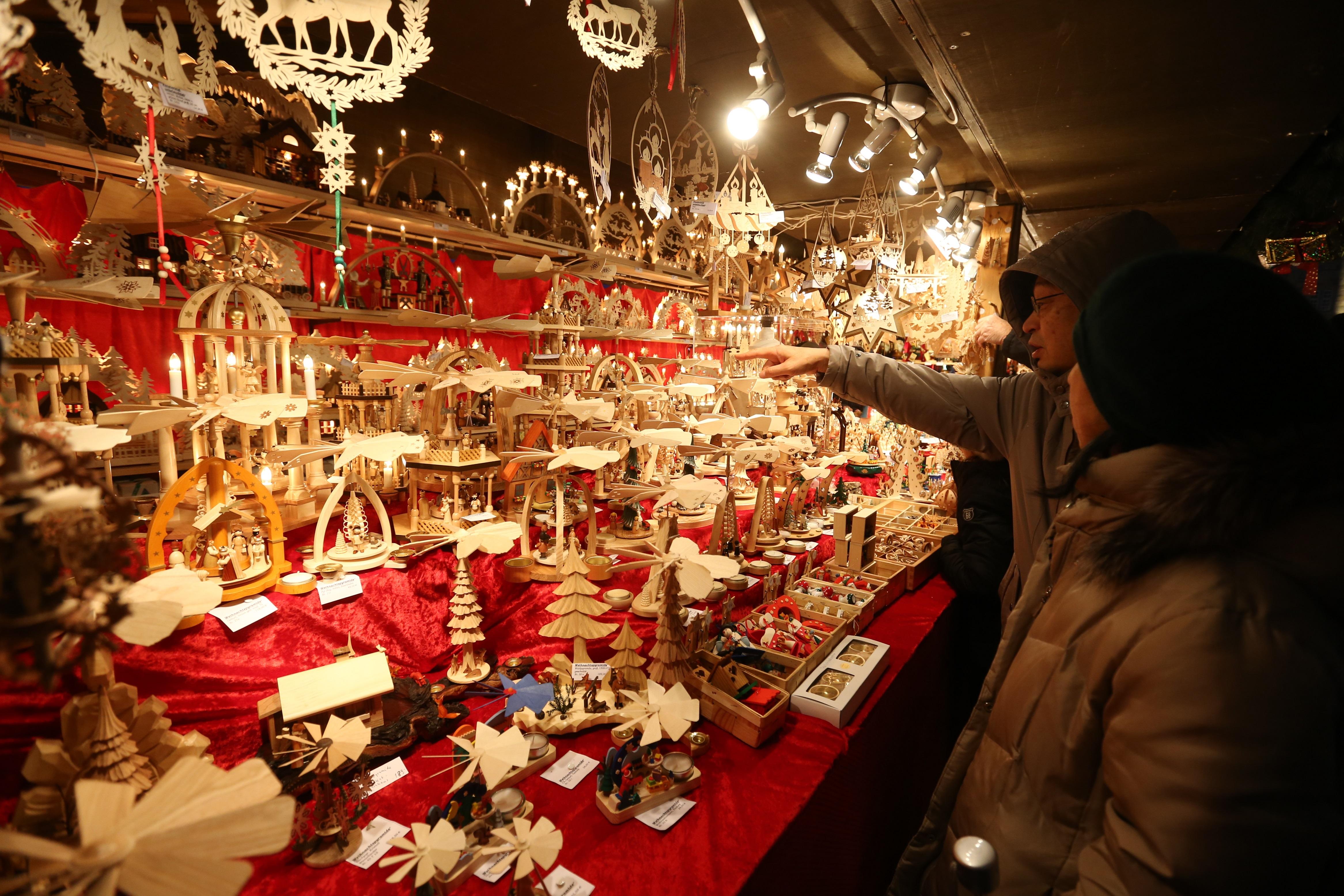 Stände Weihnachtsmarkt.Presse Stuttgarter Weihnachtsmarkt 27 11 23 12 2019
